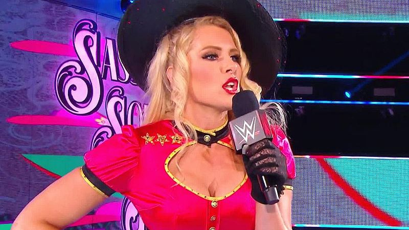 Lacey Evans Shows Off Baby Bump